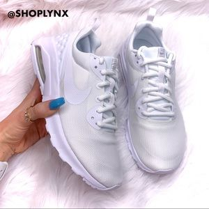 Nike Air Max Motion LW in White